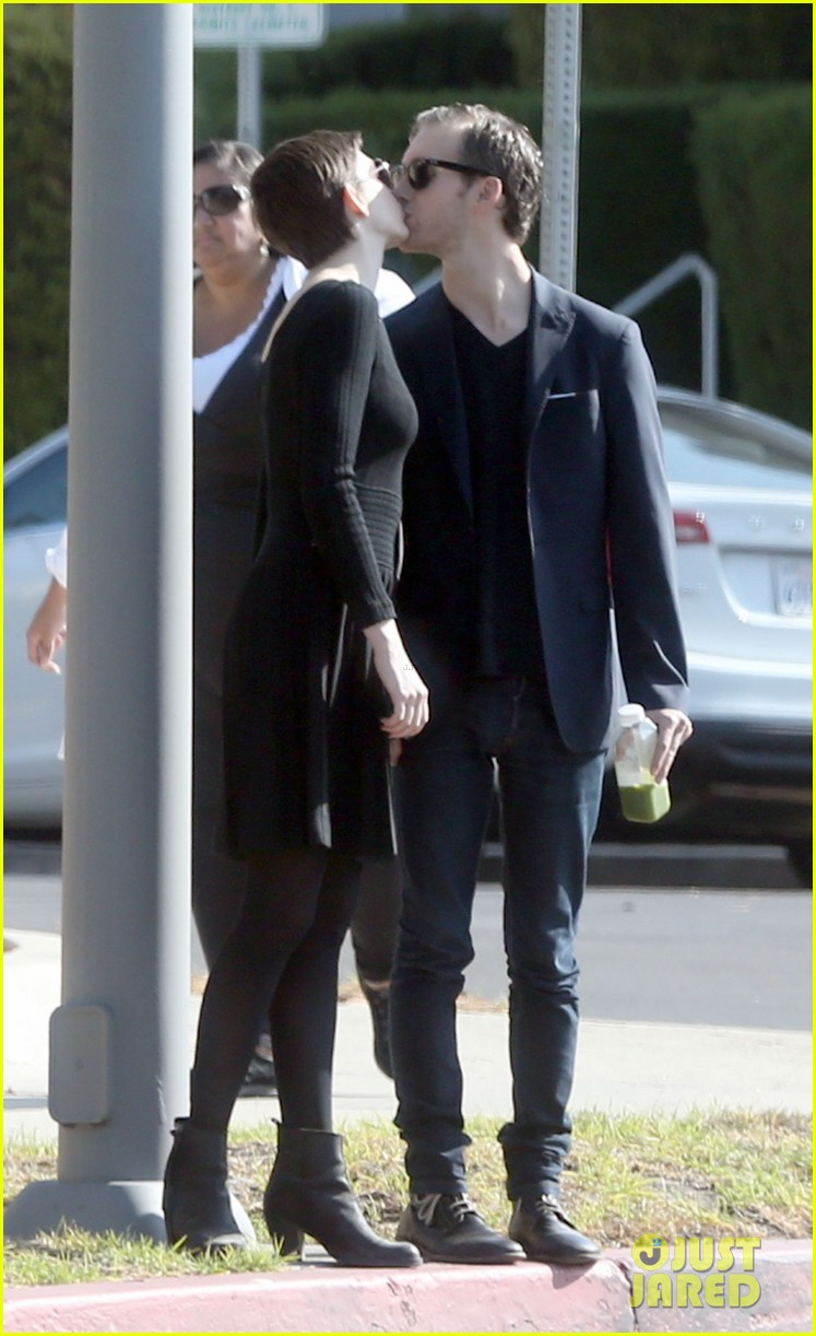 anne hathaway temple services adam shulman 082724115