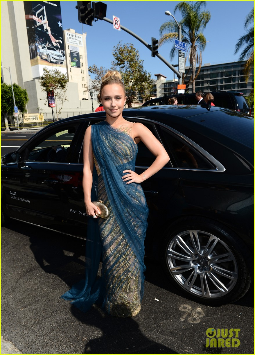 hayden panettiere connie britton emmys 2012 red carpet 062727171