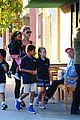 heidi klum starbucks run with kids 13