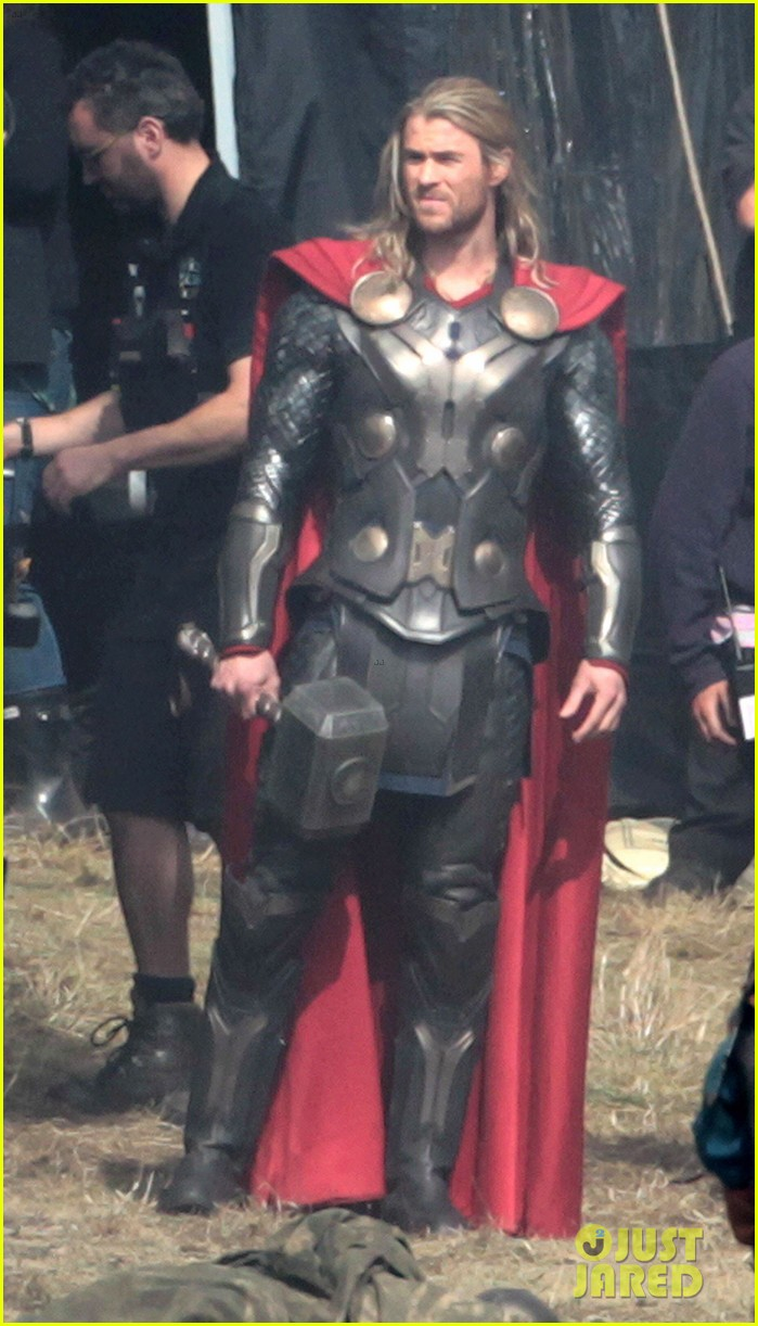 chris hemsworth thor 2 begins filming first set pics 01