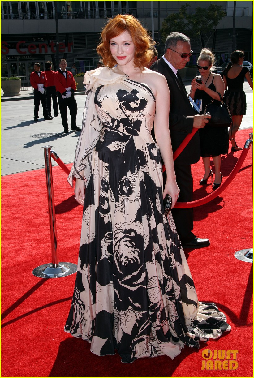christina hendricks malin akerman emily deschanel creative arts emmys 2012 01