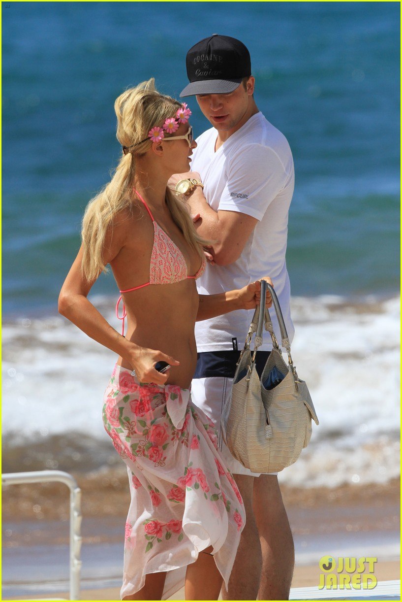 paris hilton river viiperi hawaiian beach vacation 252726836