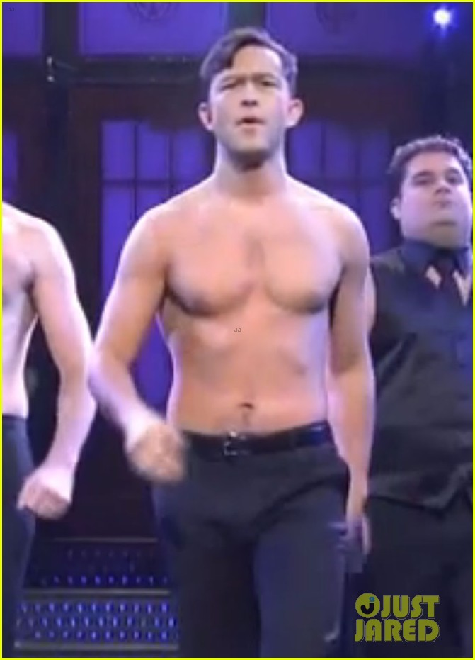 joseph gordon levitt shirtless magic mike dance on snl 04