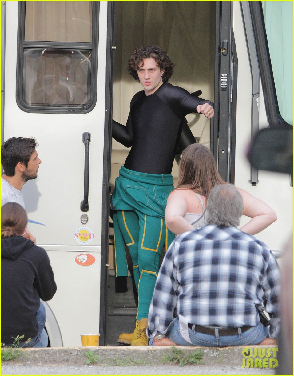 aaron taylor johnson jim carrey kick ass 2 set 06