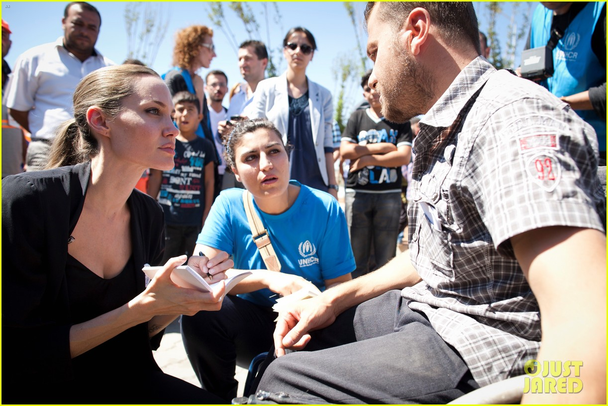 angelina jolie meets syrian refugee children in turkey 062721269