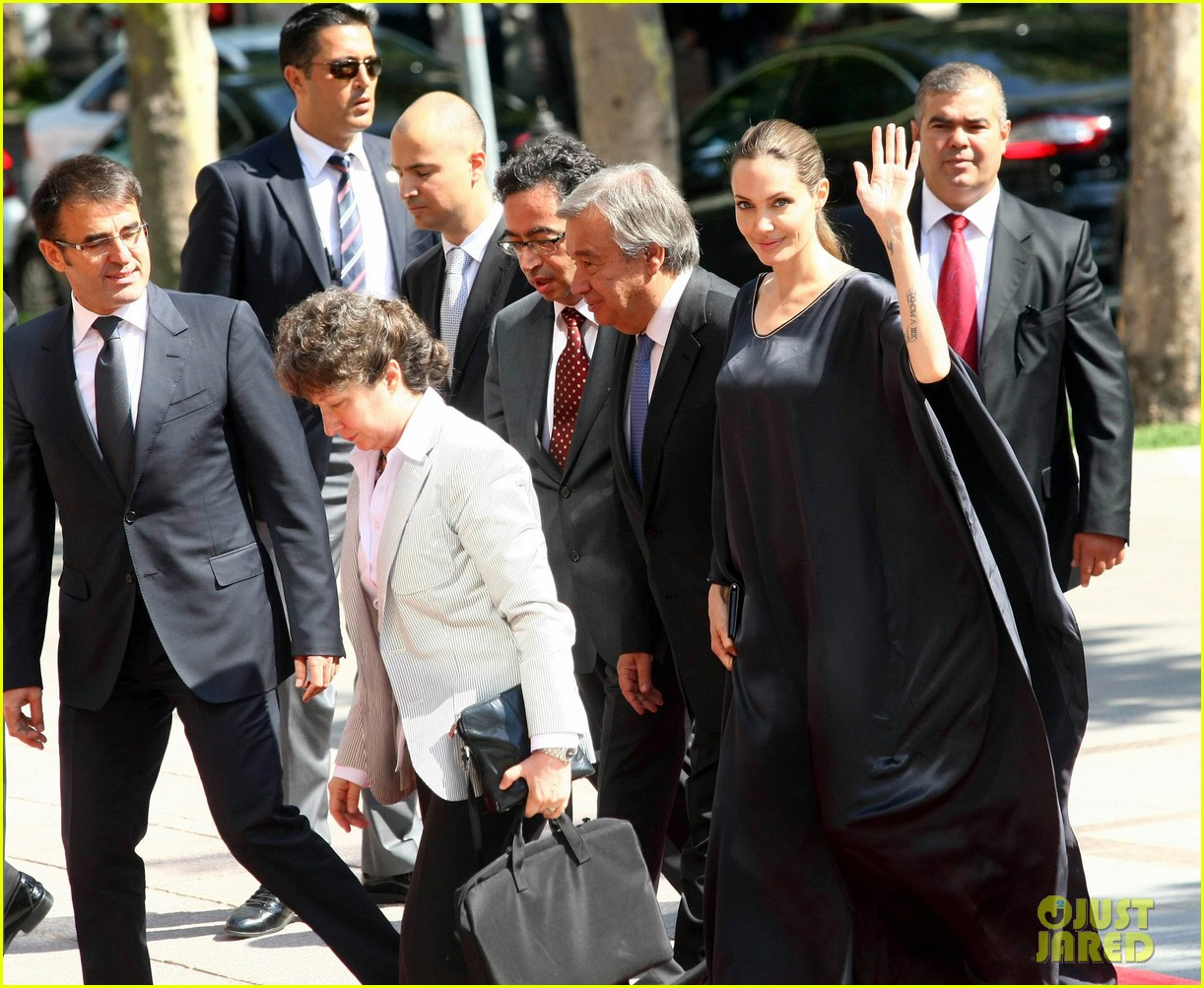 angelina jolie meets turkish prime minister 01
