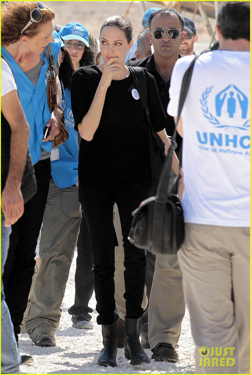 angelina jolie zaatari refugee camp visit 042719316