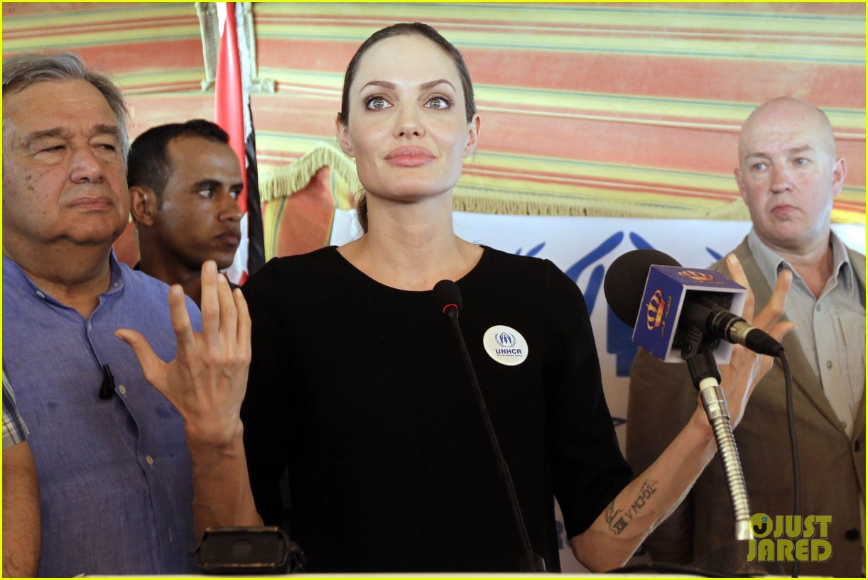 angelina jolie zaatari refugee camp visit 05