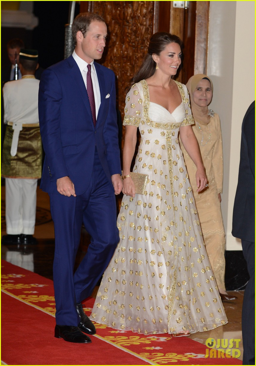 duchess kate prince william official dinner malaysia 012721166