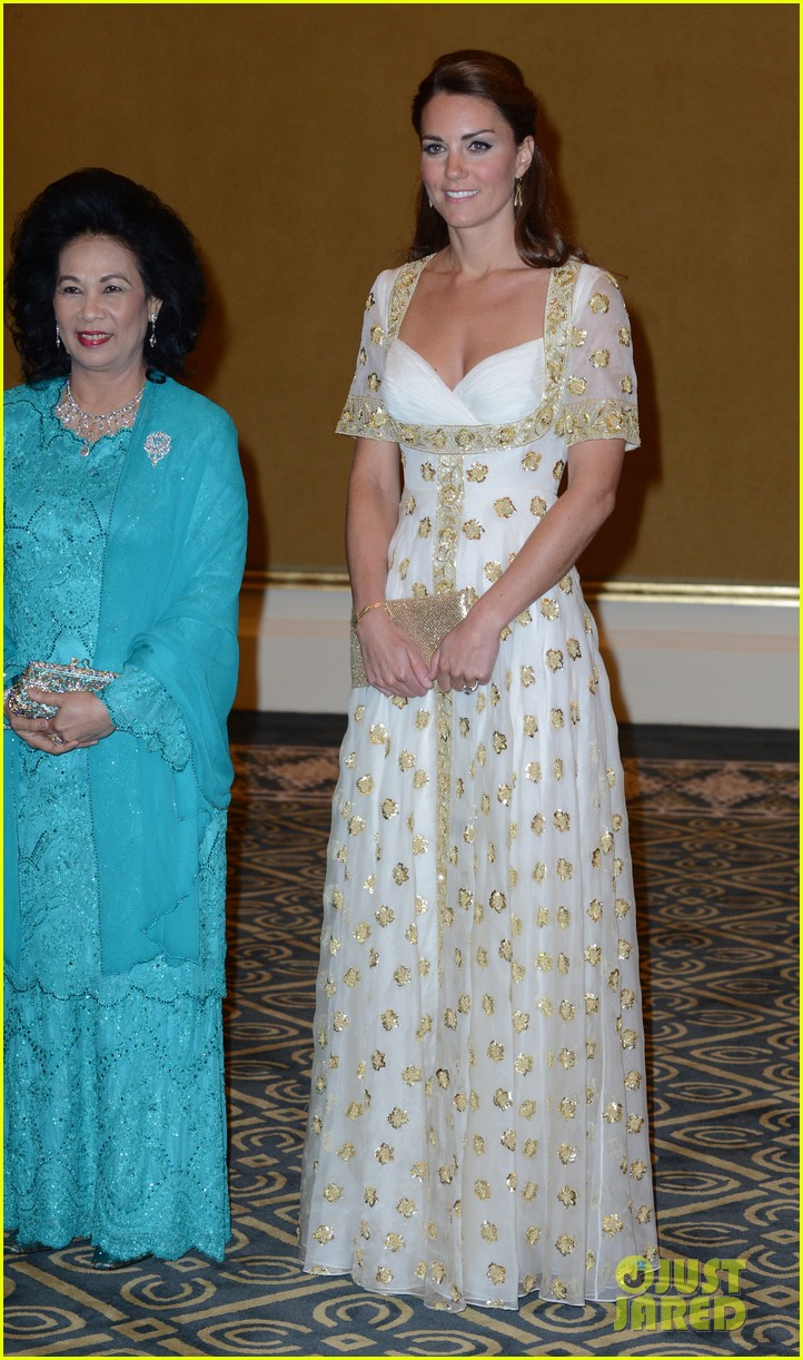 duchess kate prince william official dinner malaysia 08