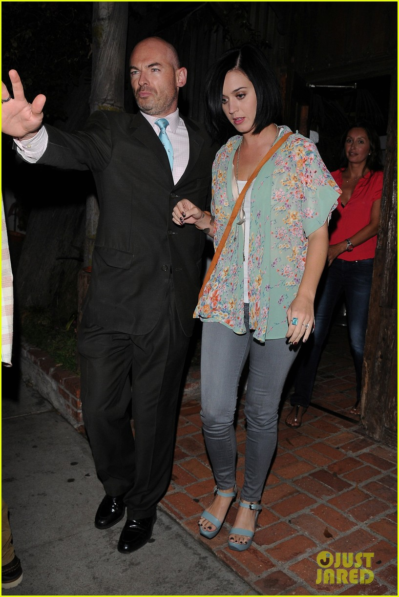 katy perry john mayer little door restaurant 11