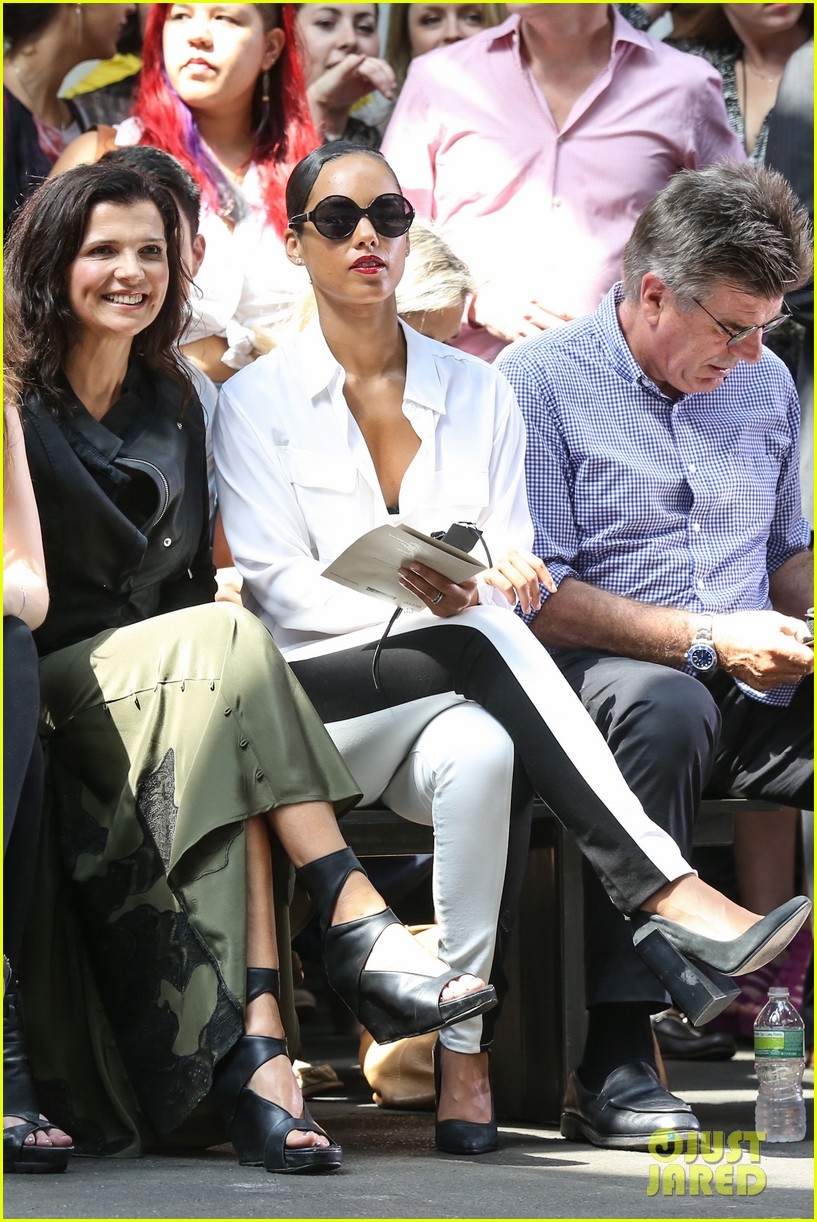 alicia keys reeve carney edun fashion show 08