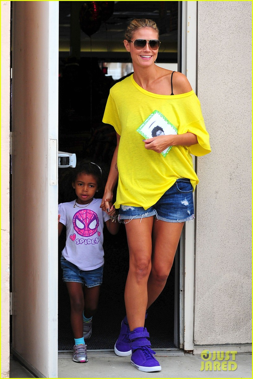 heidi klum martin kristen chuck e cheese with the kids 31