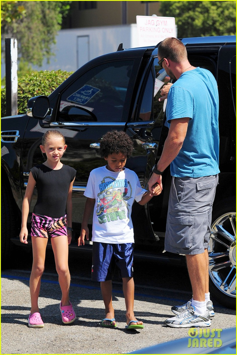 heidi klum martin kristen chuck e cheese with the kids 42