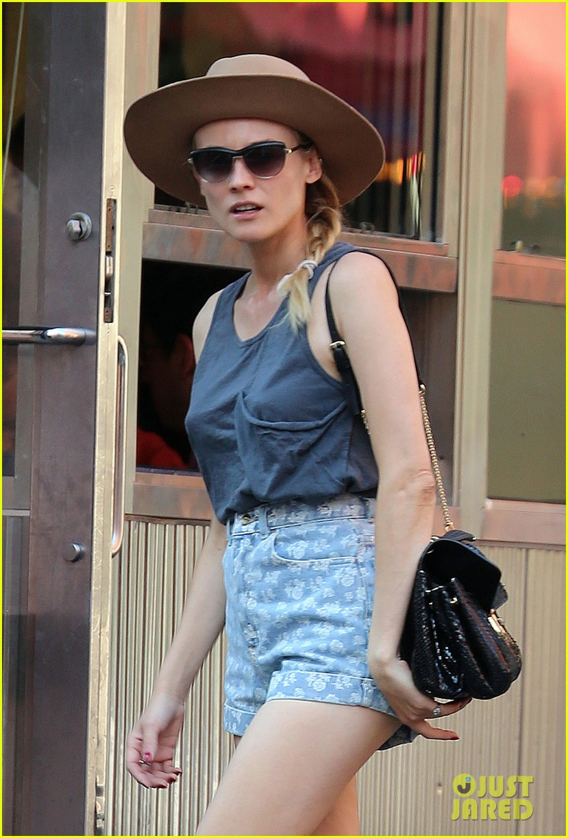 diane kruger shopping in soho 02