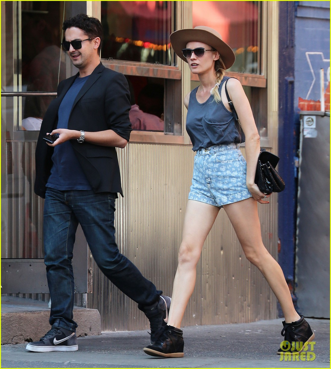 diane kruger shopping in soho 05