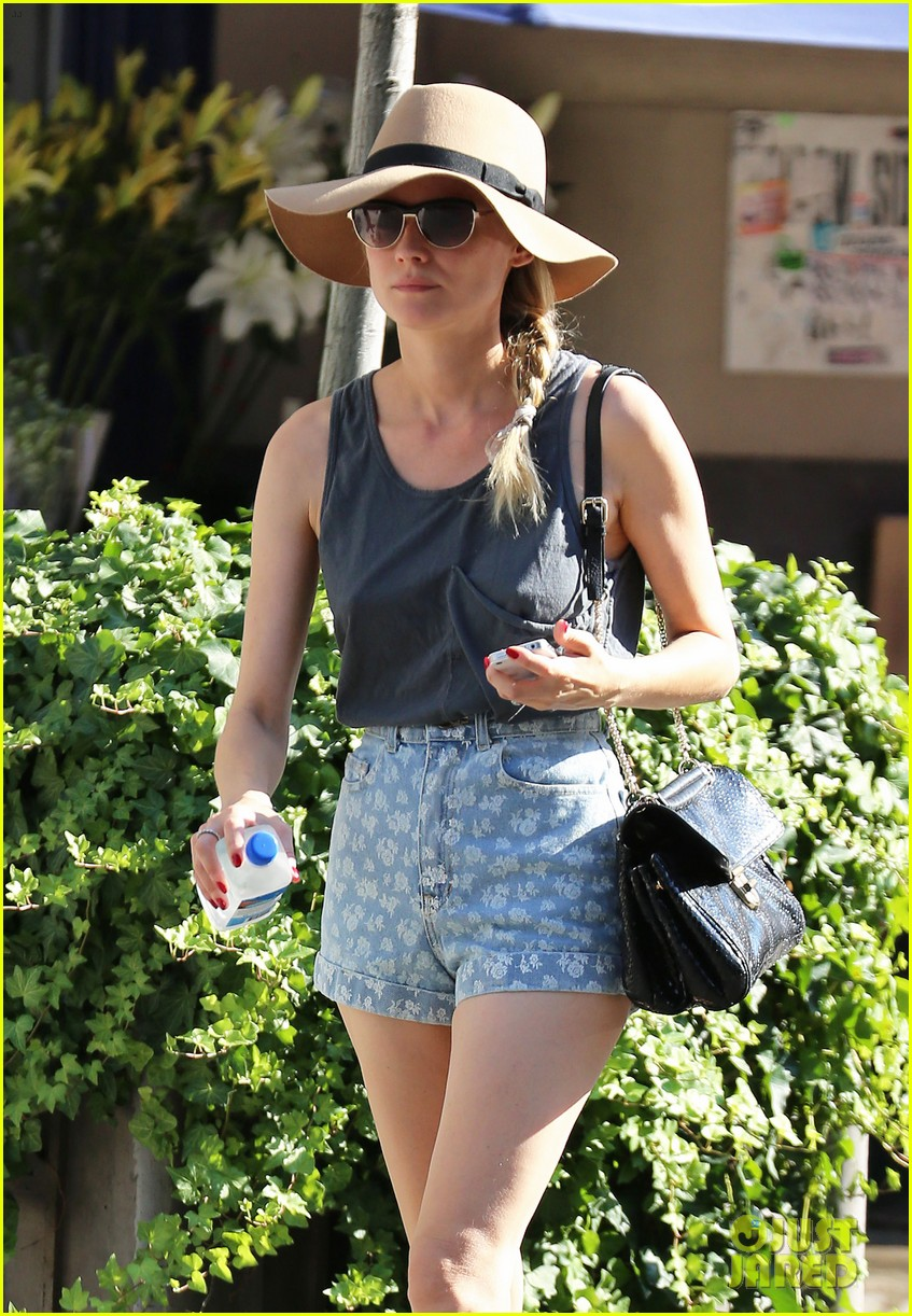 diane kruger shopping in soho 122720348