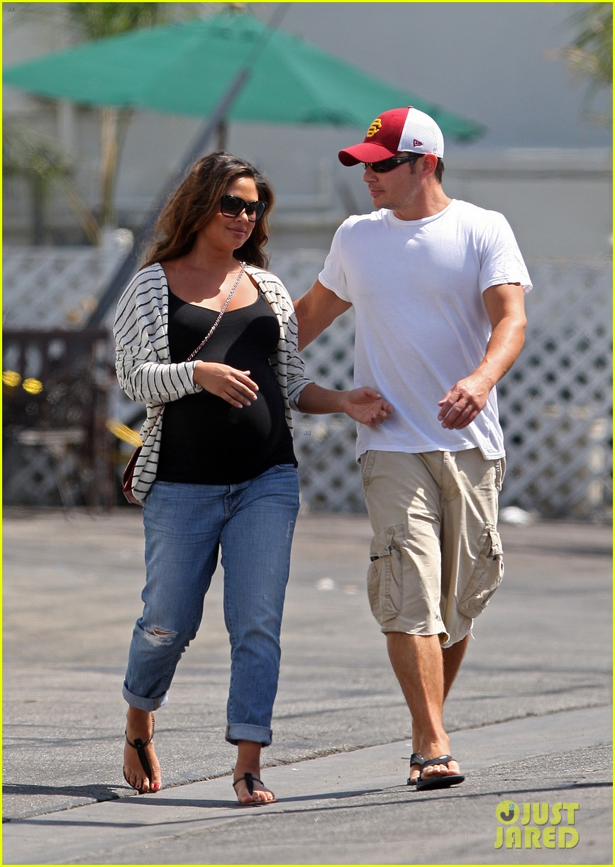 nick vanessa lachey welcome baby boy camden john 16