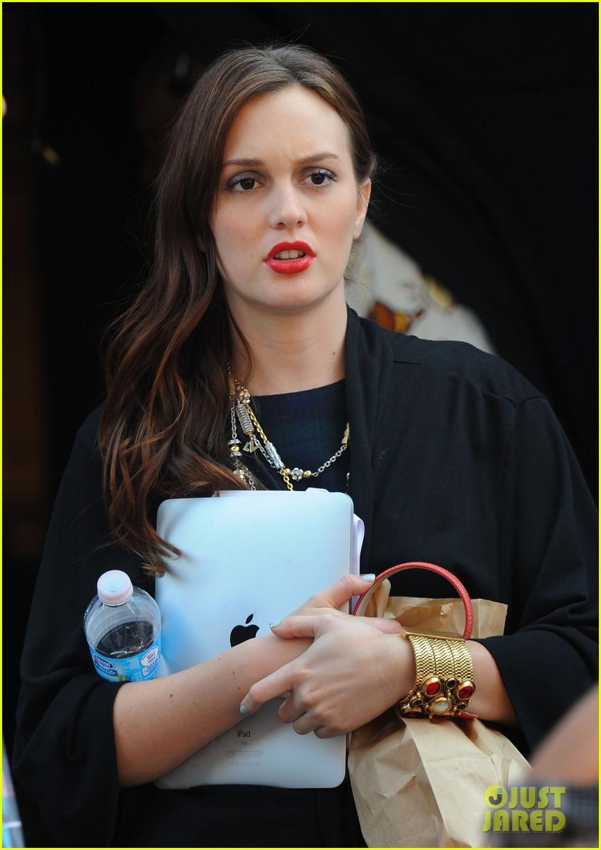 blake lively leighton meester gossip girl premiere pics 04
