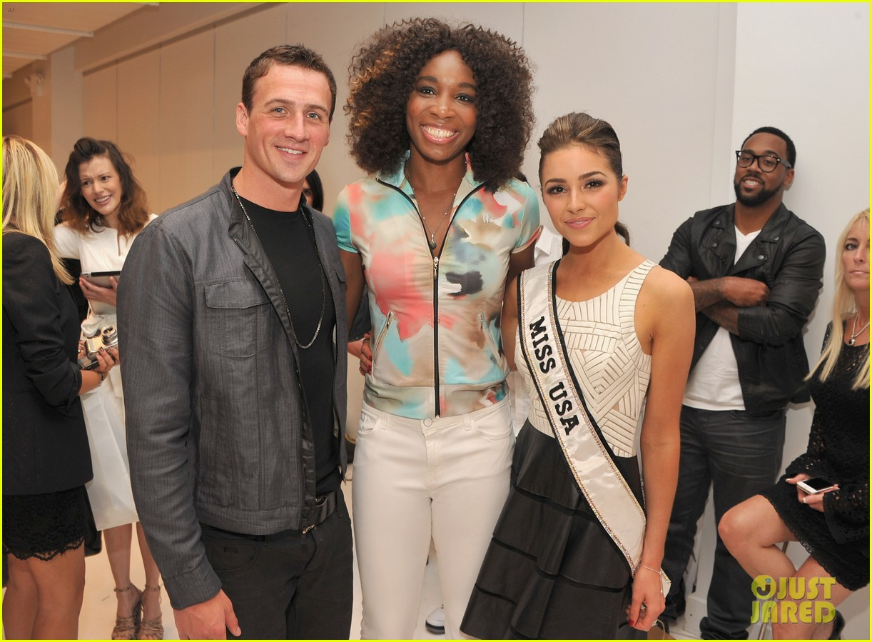 ryan lochte michael phelps reunite at nyfw event 04
