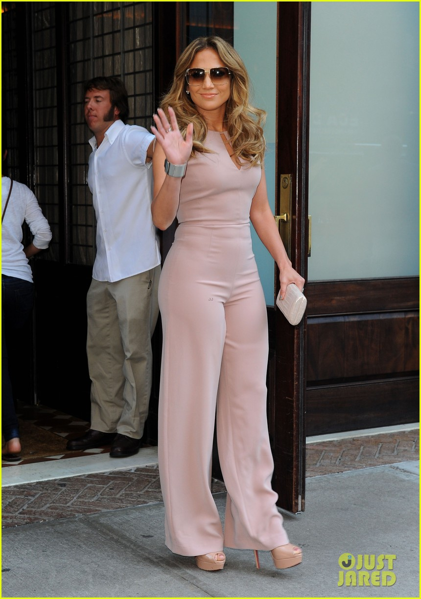 jennifer lopez joins nuvotv in owner creative positions 07