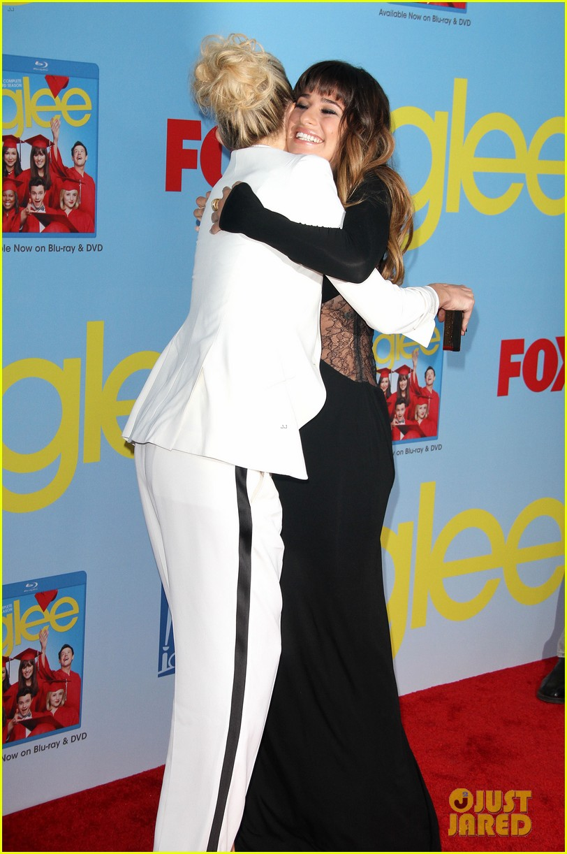 lea michele kate hudson glee season 4 premiere 38