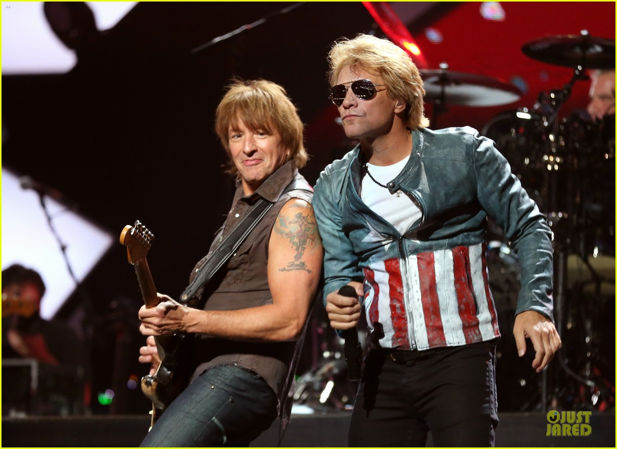 miley cyrus bon jovi rock iheartradio duo 332726079