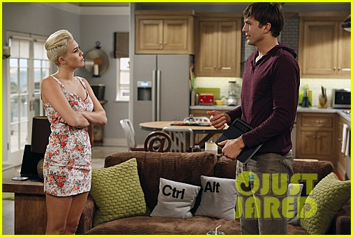 miley cyrus two and a half men stills 10