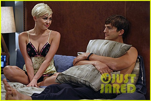 miley cyrus two and a half men stills 14