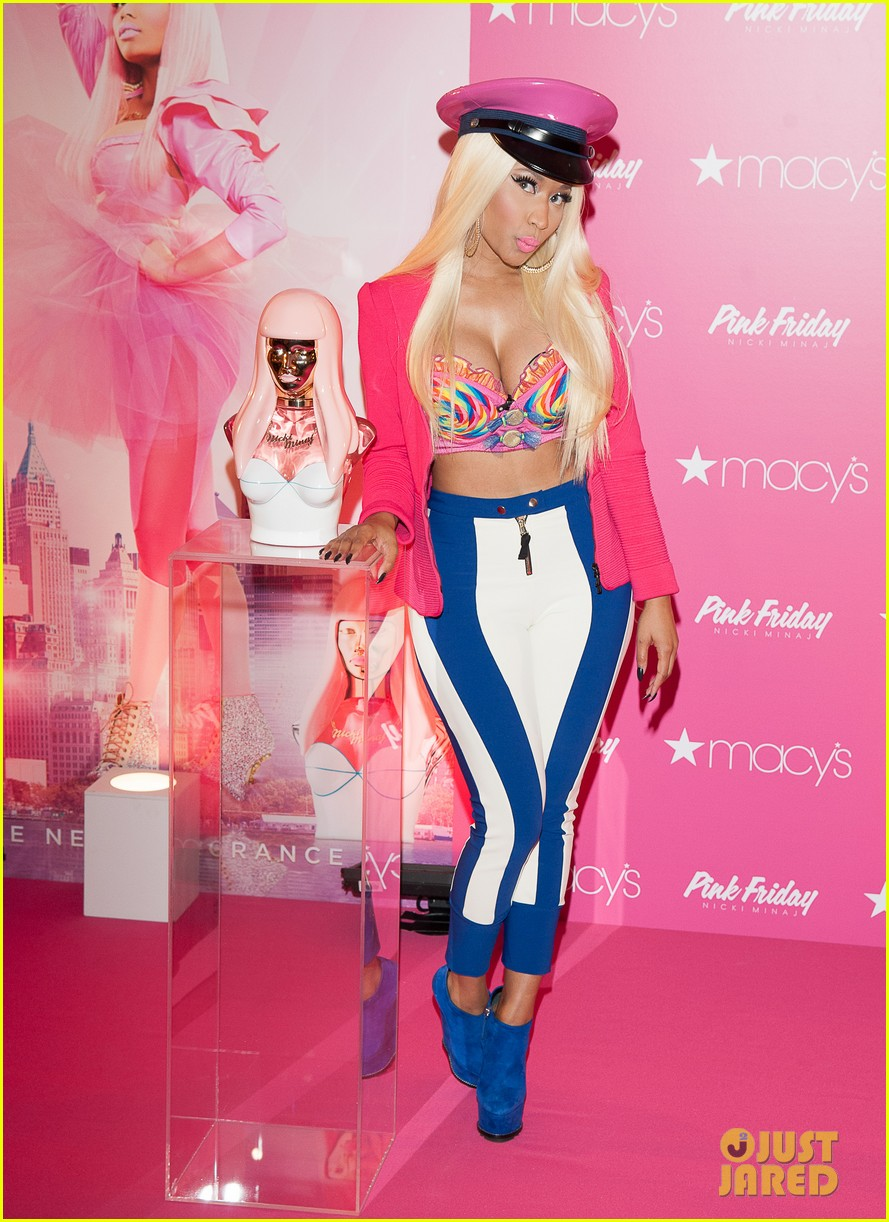 nicki minaj pink friday fragrance launch 082727904
