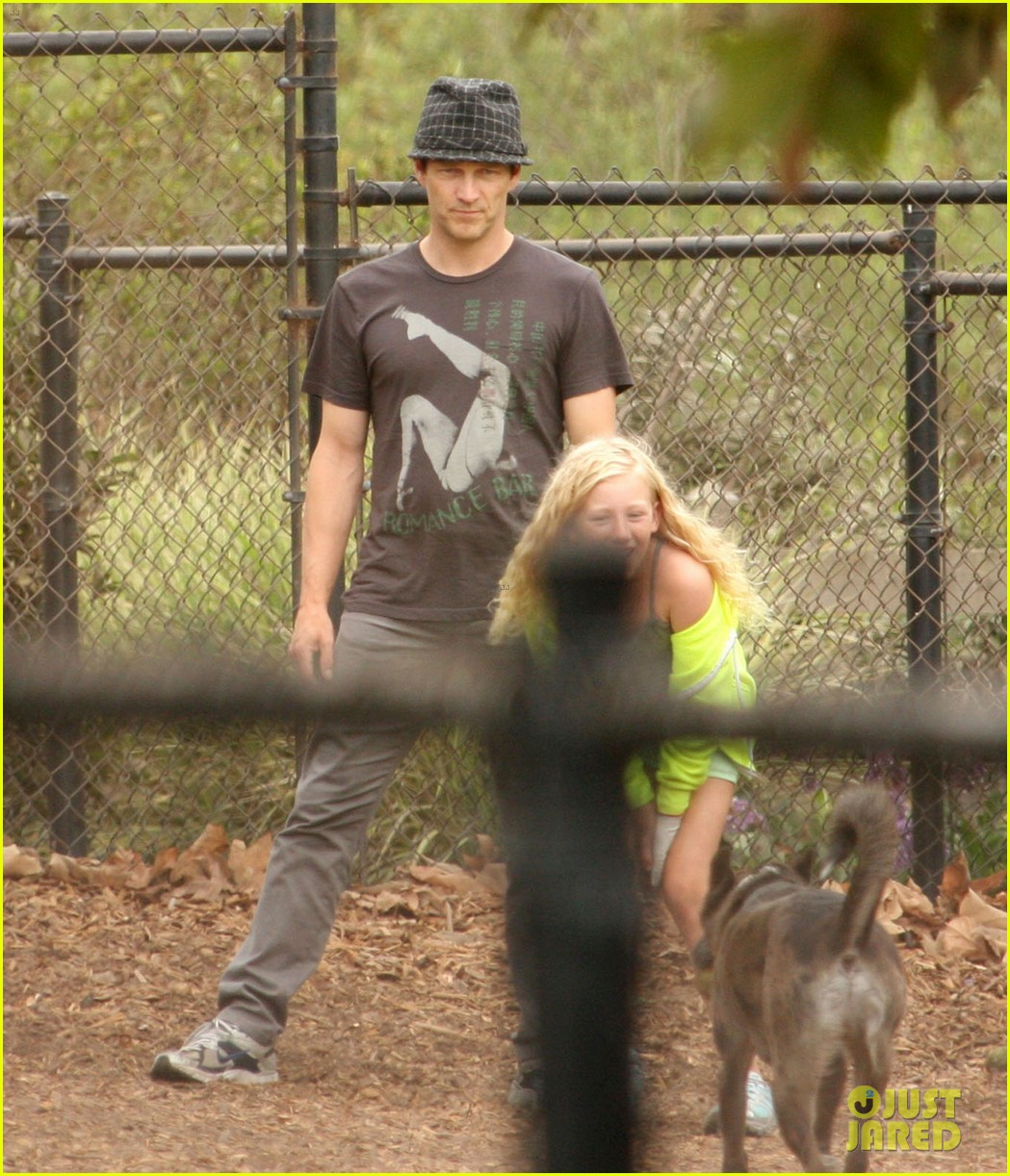 stephen moyer dog park with lilac 06