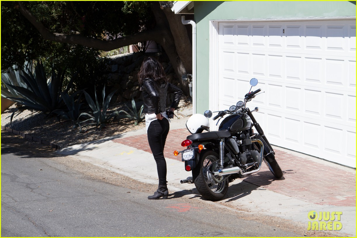 olivia munn biker babe 012717631