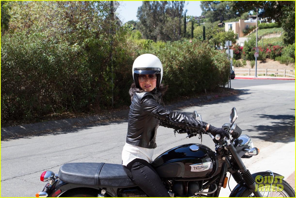 olivia munn biker babe 04