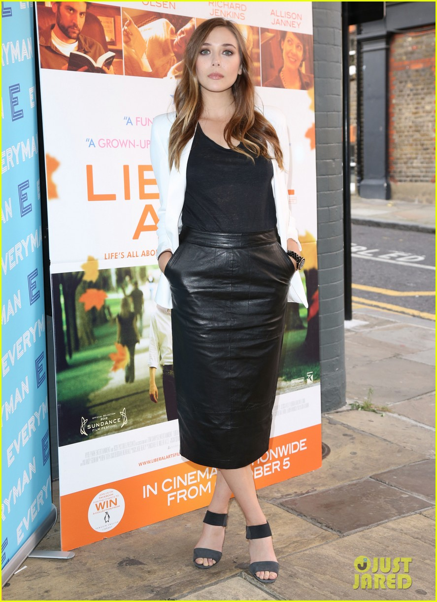elizabeth olsen liberal arts photo call 012723014