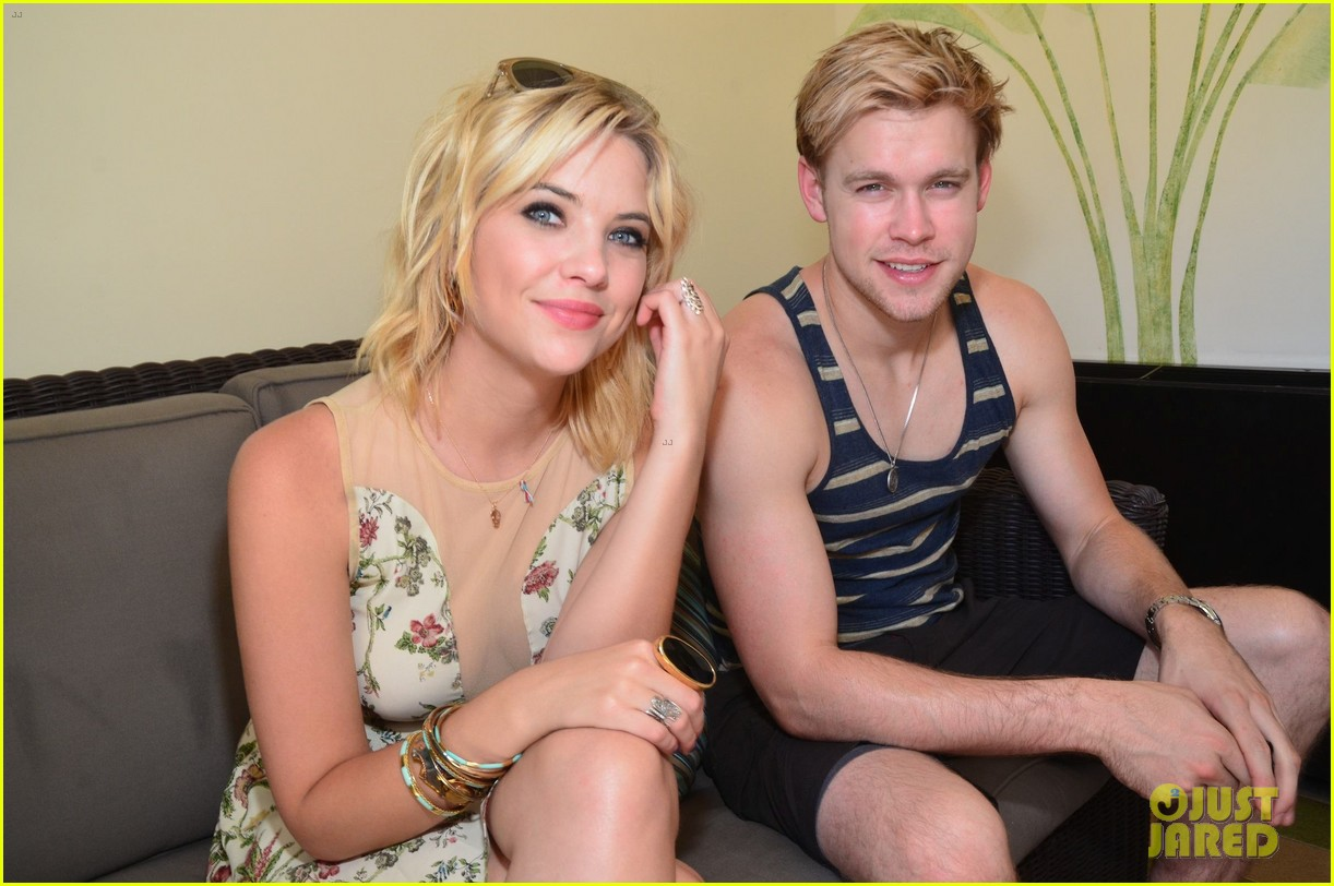chord overstreet muscle tank stud with ashley benson 03