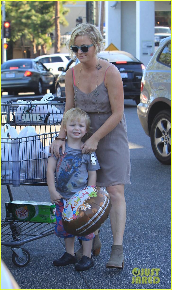 poehler birthday balloons 032713170