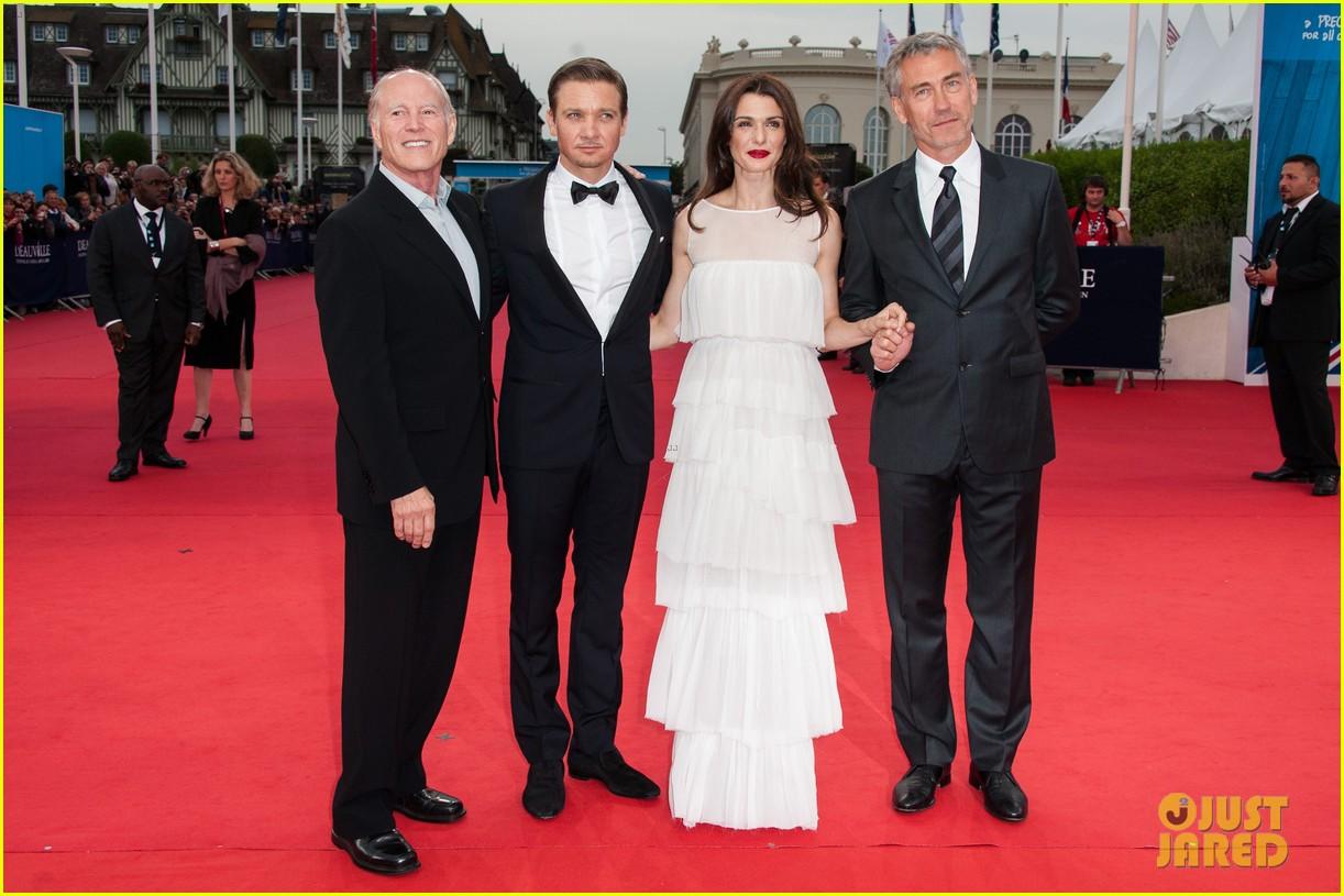 rachel weisz jeremy renner bourne legacy premiere deauville film festival 092712740