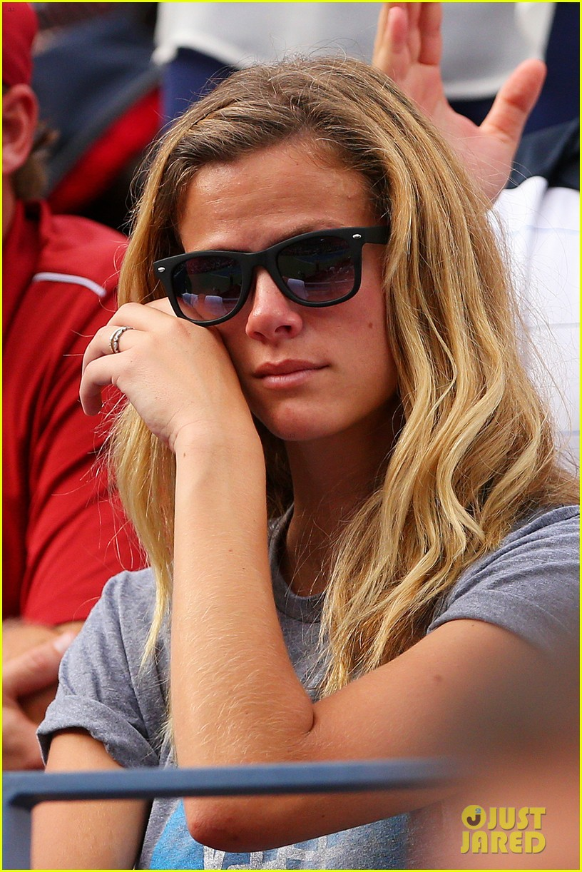 andy roddick plays final tennis match brooklyn decker cries 04
