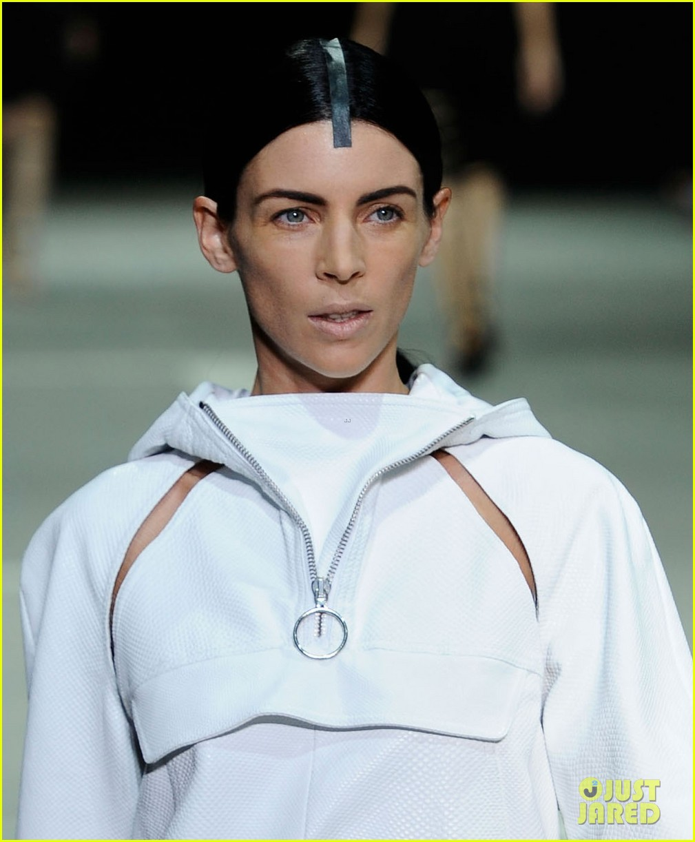 liberty ross alexander wang runway model 04