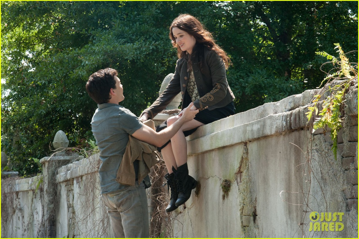 emmy rossum beautiful creatures stills exclusive 01