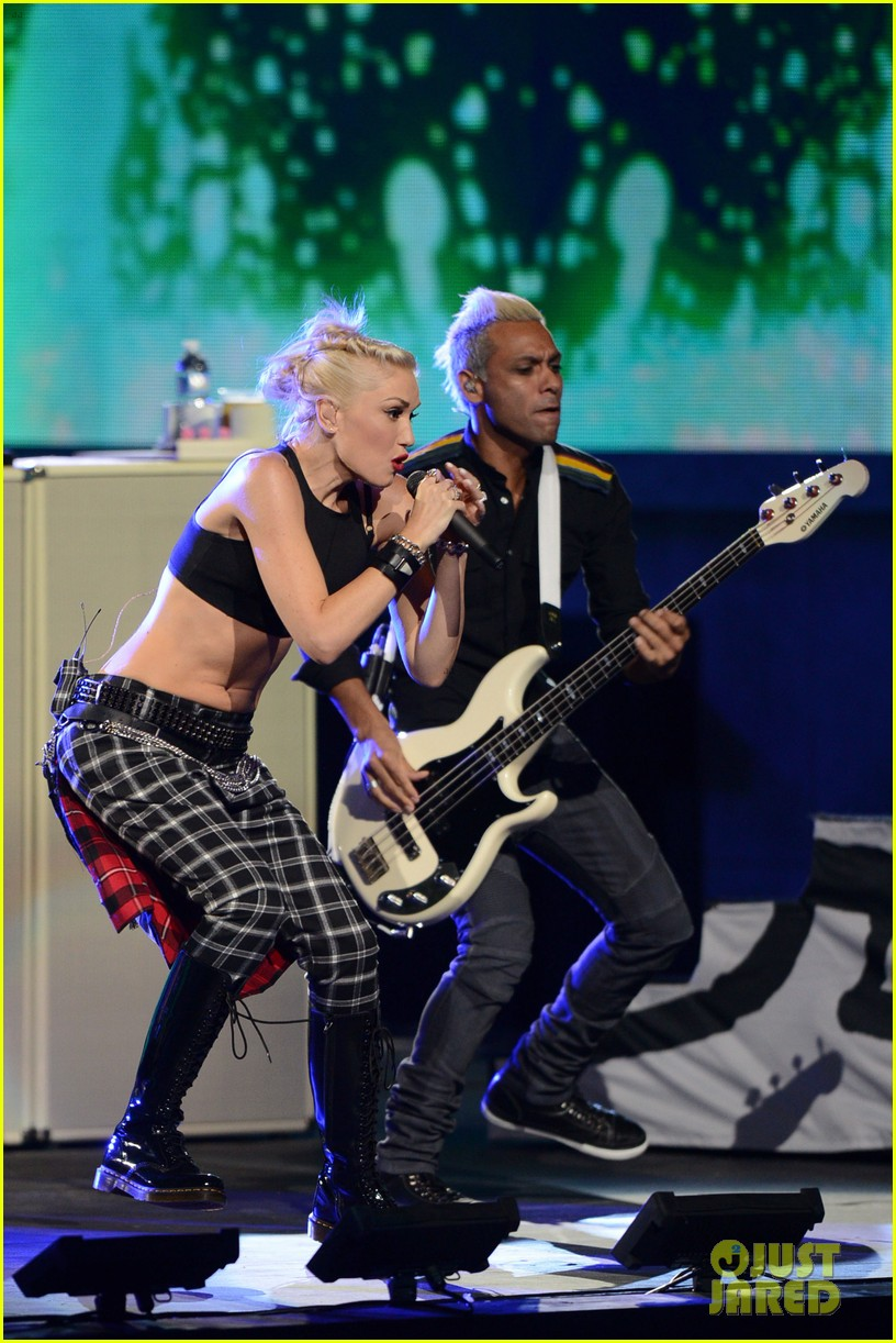 gwen stefani no doubt perform at nfl kick off concert 14
