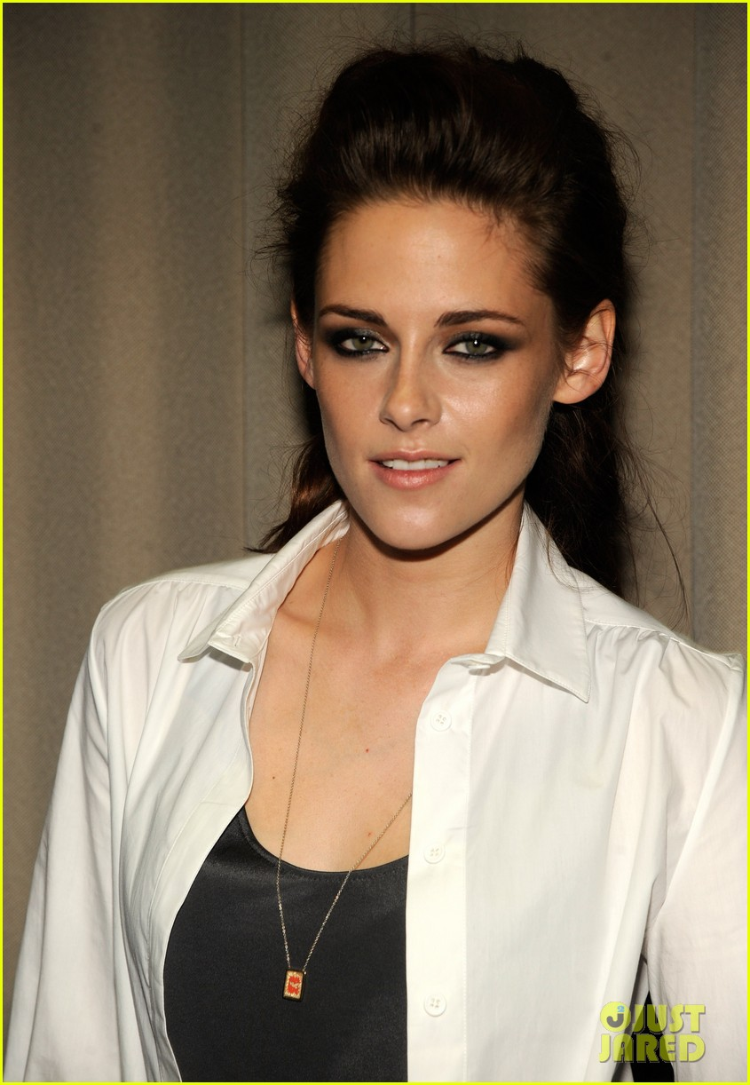 kristen stewart on the road nyc screening 03