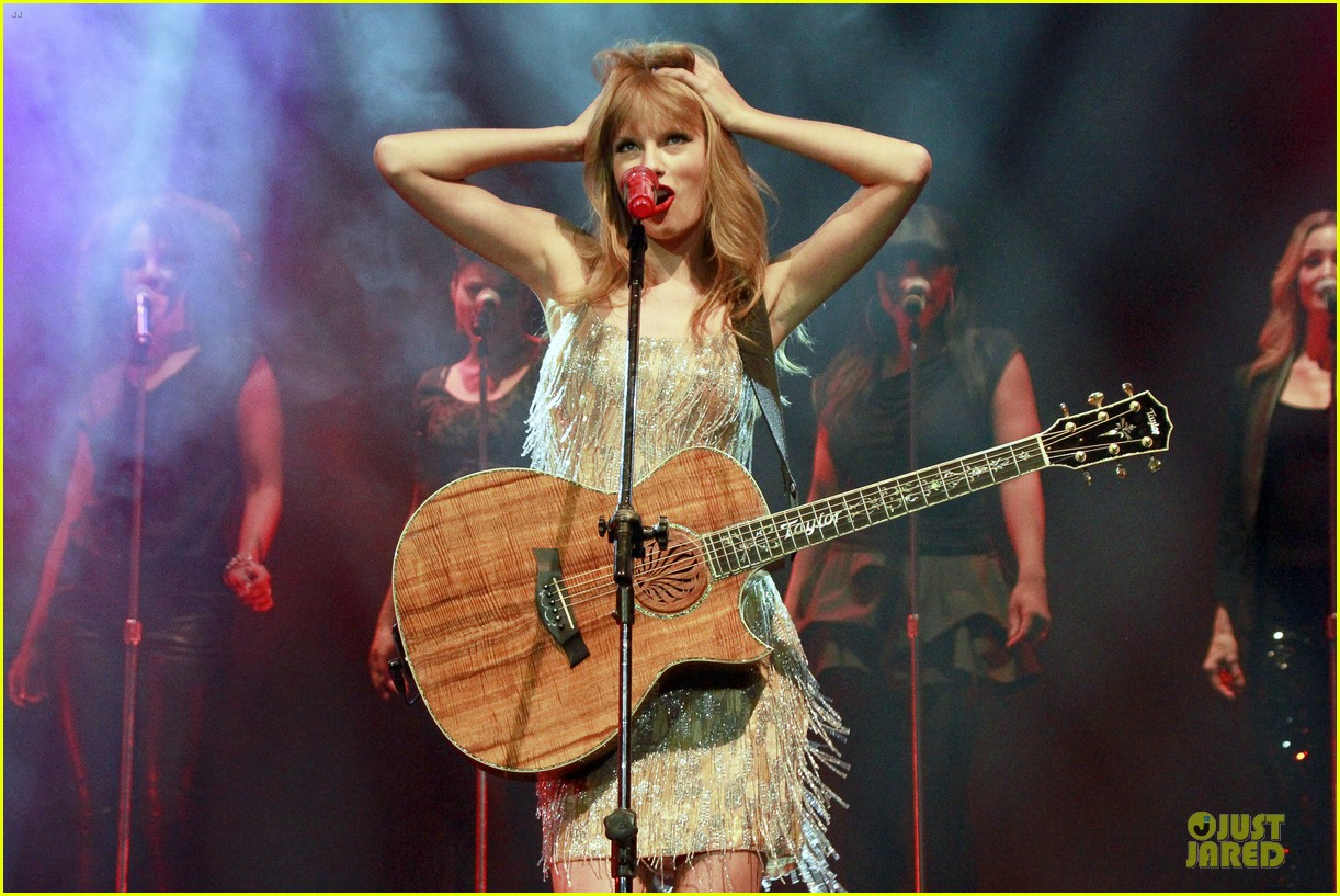 taylor swift perfornance in brazil 16