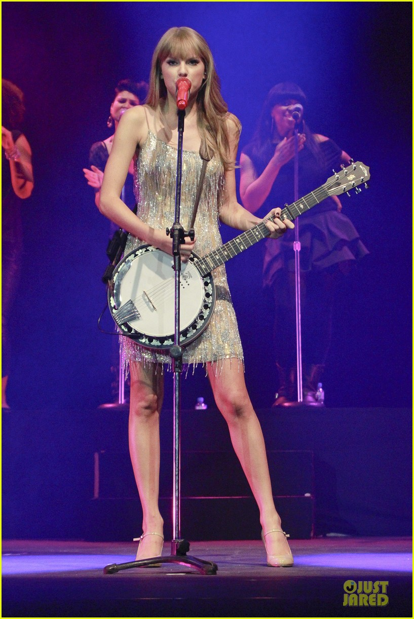 Taylor Swift: Rockin' Rio!: Photo 2721899