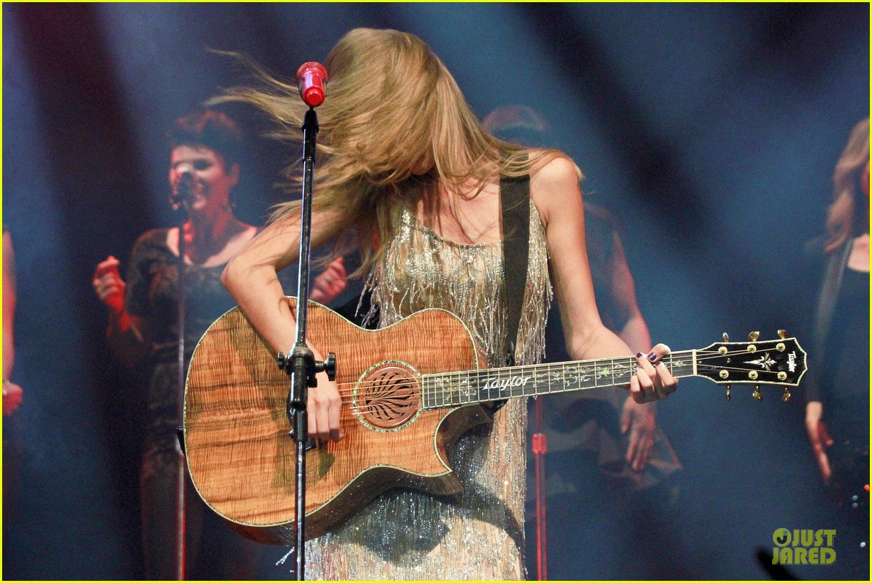 Taylor Swift: Rockin' Rio!: Photo 2721909