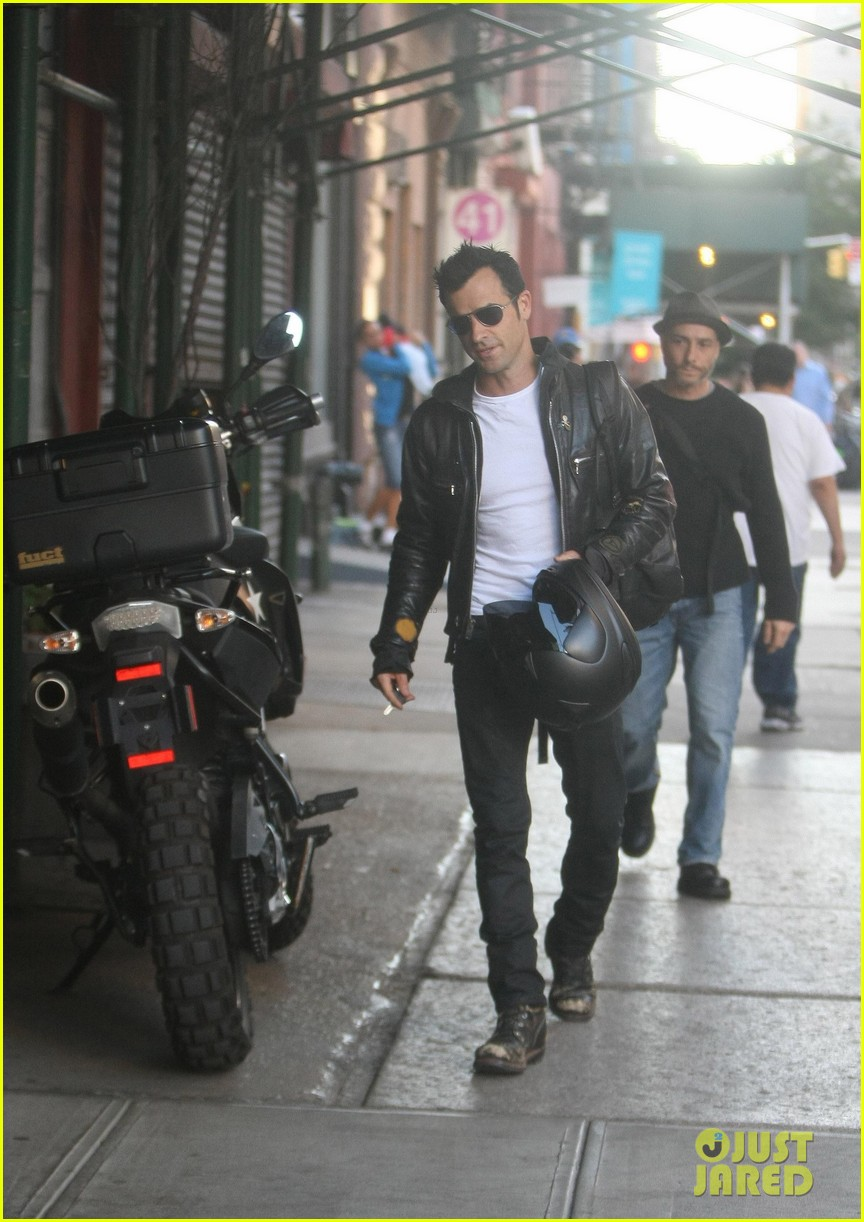 justin theroux manhattan motor man 20