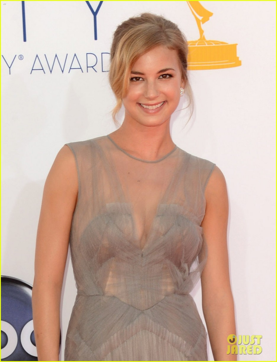 emily vancamp revenge