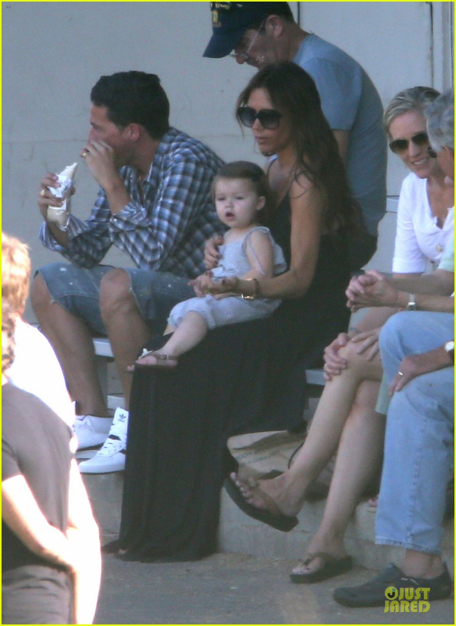 victoria beckham sons soccer game 04