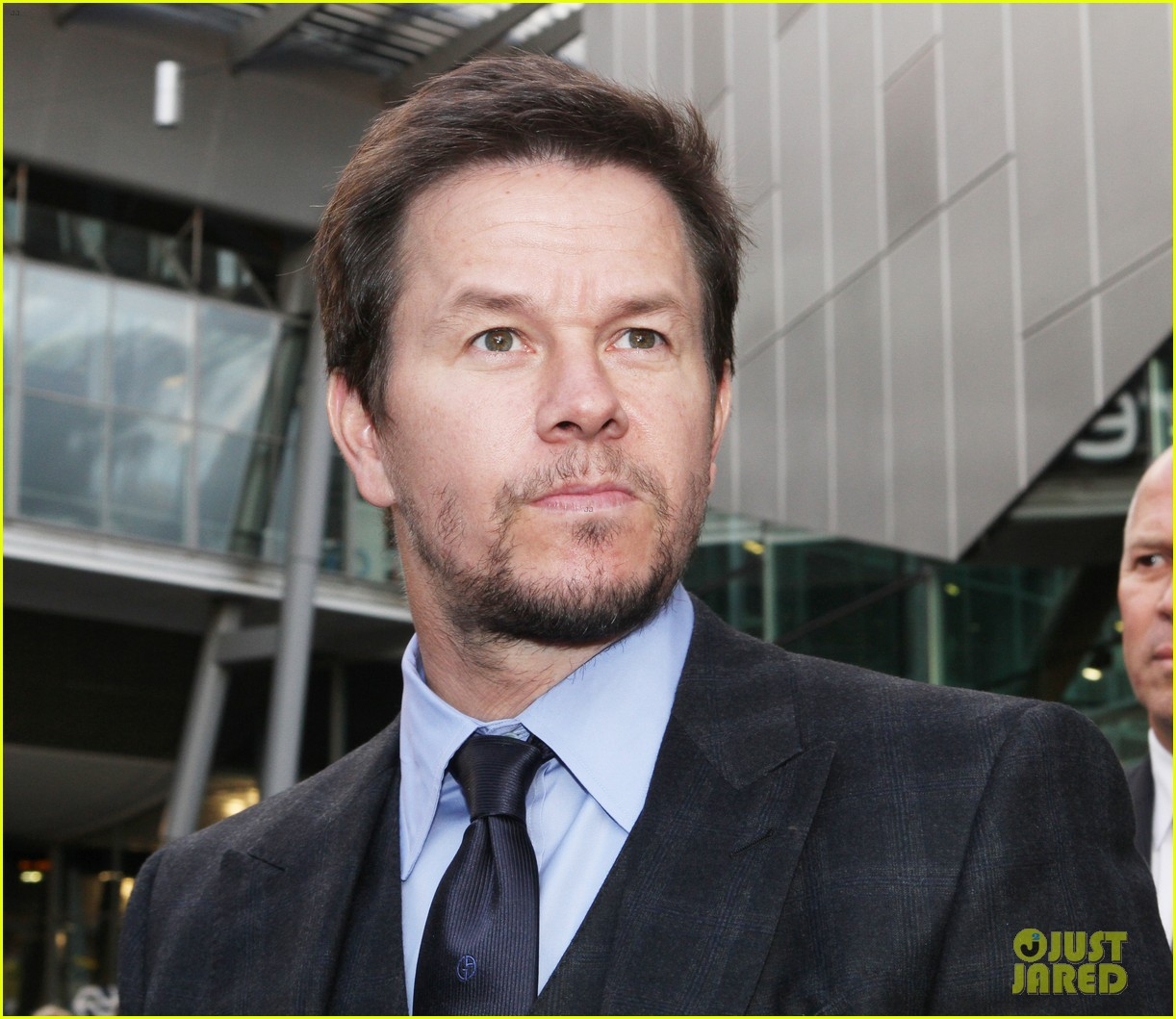 mark wahlberg ted premiere in holland 16