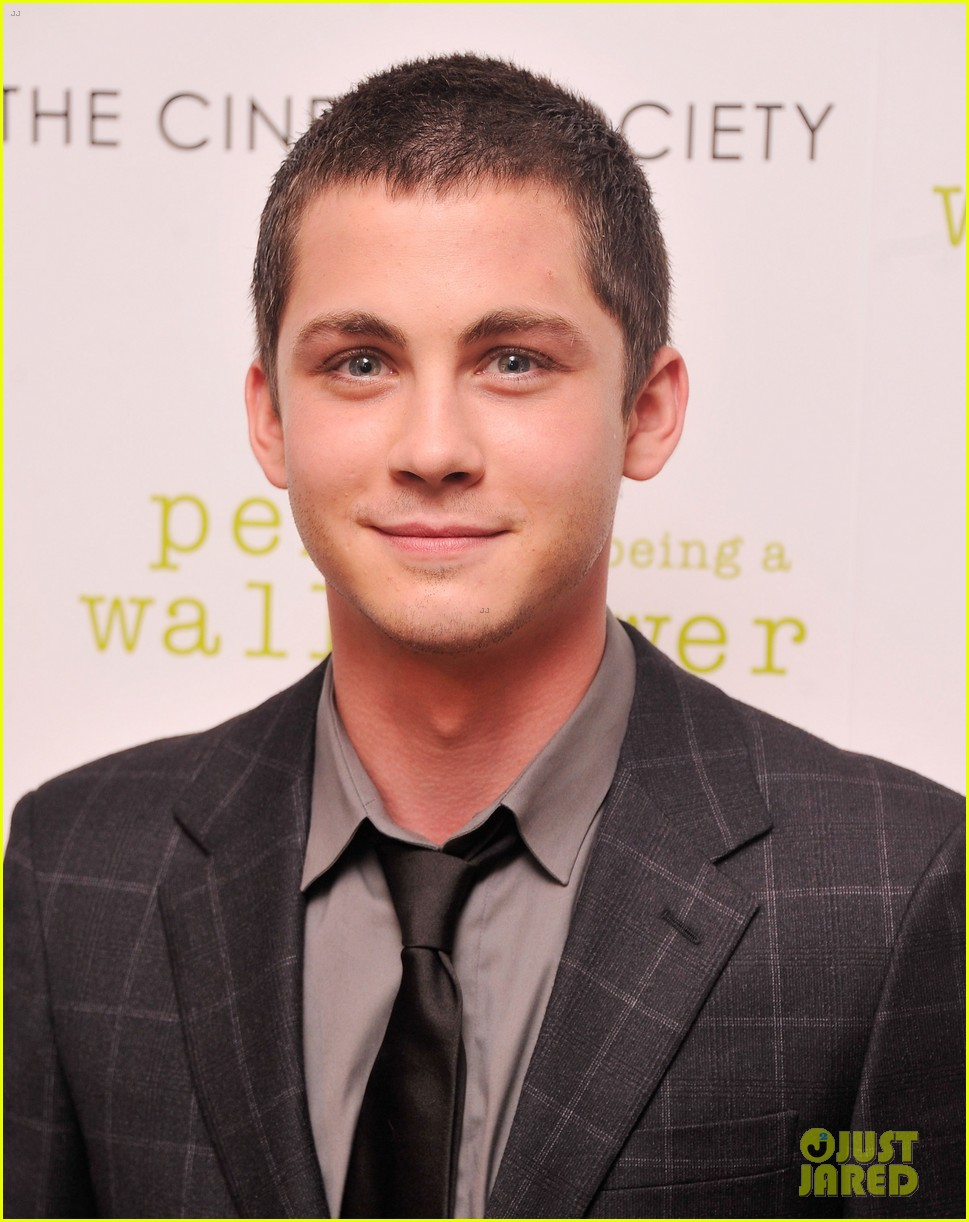 emma watson logan lerman perks screening in nyc 04